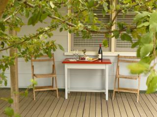 Beautiful Cottage with Deck and Internet Access in Birregurra - Birregurra vacation rentals