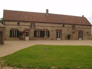 Nice Gite with Internet Access and Central Heating - Longny-au-Perche vacation rentals