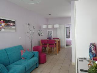 1 bedroom Condo with Internet Access in Lens - Lens vacation rentals