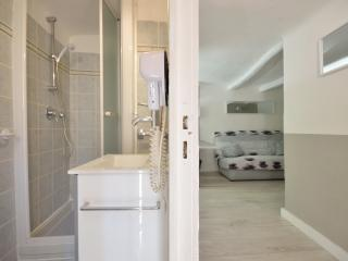 Excellent Studio Apartment with Internet, in Canne - Cannes vacation rentals
