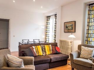 Bright Apt. Gran Vía-Fuencarral - Madrid vacation rentals
