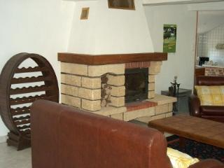 Nice House with Internet Access and Television - Guise vacation rentals
