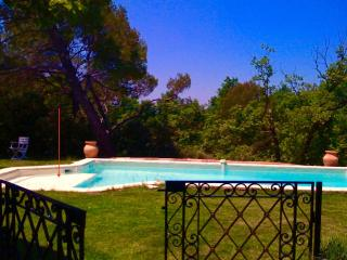 Vllla-Piscine-Campagne Aixoise - Jouques vacation rentals