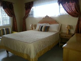 Sea View Queen Room in Luxury Villa - Ironshore vacation rentals