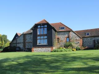 Nice Barn with Internet Access and Satellite Or Cable TV - Westerham vacation rentals