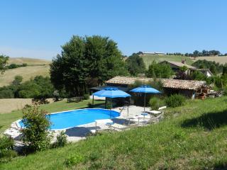 B&B Rosa nel Pozzo: app Sole - Arcevia vacation rentals