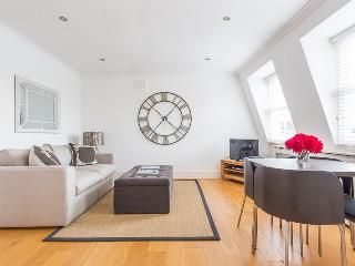 Aldridge Road Villas - Pro managed by Ivy Lettings - London vacation rentals