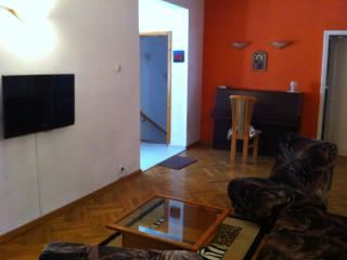 Bright 3 bedroom Guest house in Pomorie - Pomorie vacation rentals