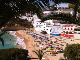 Central Carvoeiro Colina Verde apartment sleeps 6 - Carvoeiro vacation rentals