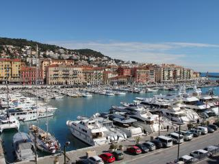 Luxury Apartment, 100% Port View! 3 or 4 Bedrooms. - Nice vacation rentals