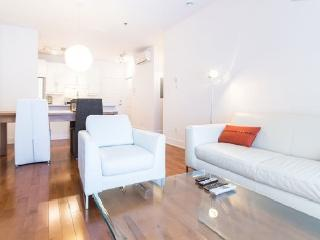 AWESOME Location: BIG and ELEGANT, near metro - Montreal vacation rentals