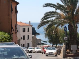 Seaside flat in the historical center  with Wi-fi - Piombino vacation rentals