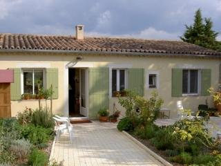 Nice Studio with Internet Access and Television - Mormoiron vacation rentals