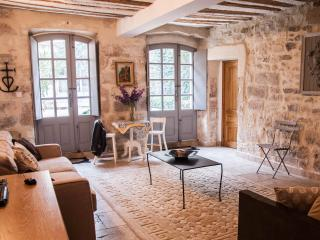 Large two floor apartment with private courtyard - Avignon vacation rentals
