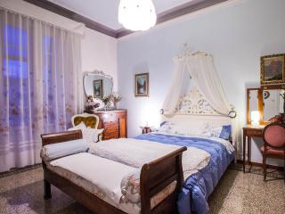 Beautiful Apartment in Florence & WIFI - Florence vacation rentals