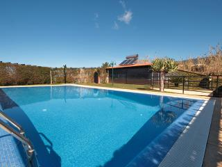 Nice House with Deck and Internet Access - Prazeres vacation rentals