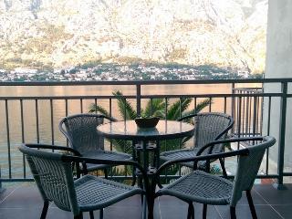 HOUSE 44 STUDIO APARTMENT - Muo vacation rentals
