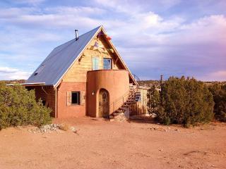 Magical passive solar adobe casita - Canones vacation rentals