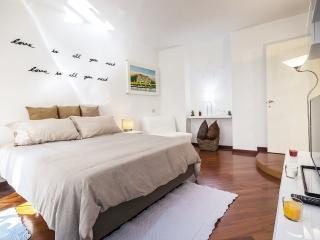 HEMERAS BOUTIQUE HOUSE UNIONE - Milan vacation rentals