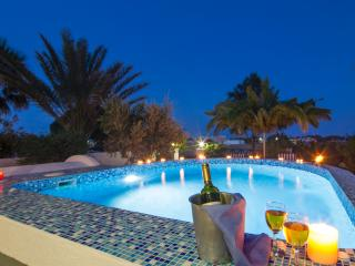 Apartment with private Plunge Pool - Perivolos vacation rentals