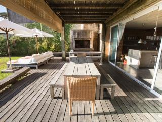 Rustic Chic 5 Bedroom Home in Jose Ignacio - Jose Ignacio vacation rentals