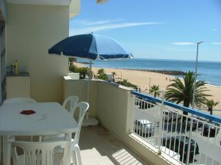 Alugo T1 frente mar para férias - Quarteira vacation rentals