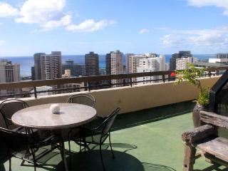 Two Story Penthouse Huge Balcony Free Parking - Honolulu vacation rentals