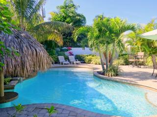 Gorgeous 3 bedroom Holmes Beach Villa with Internet Access - Holmes Beach vacation rentals