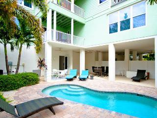TROPICAL SANDS - Holmes Beach vacation rentals