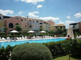 Bright 2 bedroom Pisticci Condo with Deck - Pisticci vacation rentals