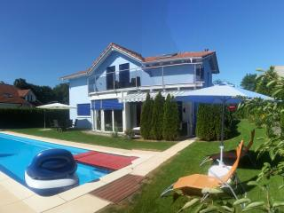 House with pool, whirlpool, sauna... - Rougemont vacation rentals
