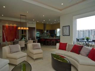 Pleasant and fascinating Penthouse at V399 - Mexican Riviera-Pacific Coast vacation rentals