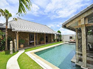 Peaceful 3 bd villa in central Seminyak - Seminyak vacation rentals