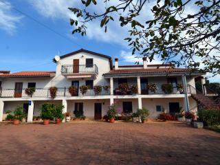 Mon Perin Castrum - Vellico 1*** - Bale vacation rentals