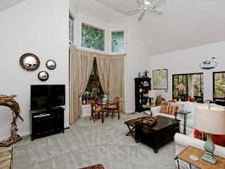 North Sea Pines Drive 23, 4 Bedroom, Private Pool, Near Beach, Sleeps 12 - Sea Pines vacation rentals