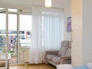 Central quiet Apartment with Garage and Balcony - Cologne vacation rentals