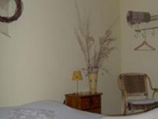 Bright 1 bedroom Bed and Breakfast in Reviers - Reviers vacation rentals