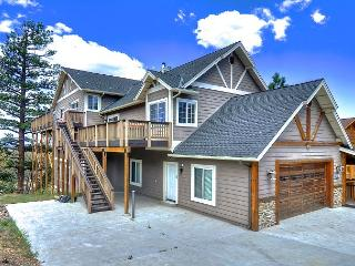 Sky High Estate has amazing lake views! Spa and Pool Table! - Big Bear Area vacation rentals