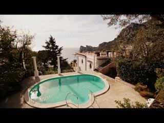 APPARTAMENTO LA GRANSEOLA B - Marina del Cantone vacation rentals