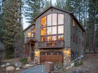 4BR/3BA Tranquil Luxury Lake Tahoe House,Sleeps 10 - South Lake Tahoe vacation rentals