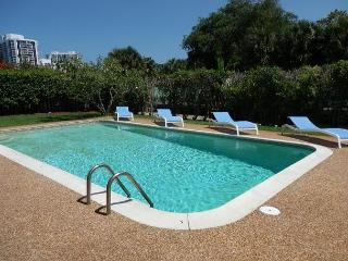 Very Private Waterfront Pool, 4/3 for 14 guests, Walk to Shopping and Chabad - Hallandale vacation rentals