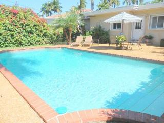 Lake Breezes 3/3 for 8 guests Large Pool 1 mile to Beach and Downtown - Hollywood vacation rentals