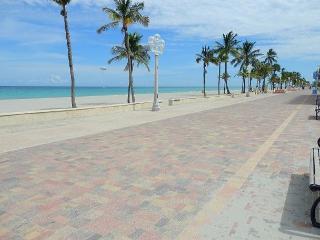 New 1/1 Condo Ocean View Walk to Beach sleeps 4 - Fort Lauderdale vacation rentals