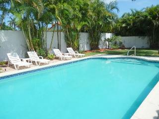 Private Beach 1 Min walk 5/5 for 16 Heated Pool & Pool Table Aventura 5 Min - Sunny Isles Beach vacation rentals