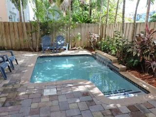 Chic Las Olas Tuscany Dream House Pool Walk to Nightlife, 3/3.5 for 10 guests - Fort Lauderdale vacation rentals