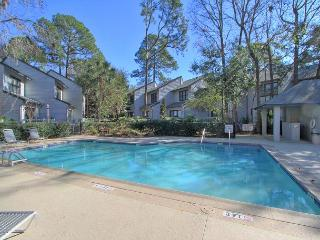 New Remodel! 78 Ocean Breeze Villa Free Bikes Tennis Pool Beach Pet Friendly - Hilton Head vacation rentals