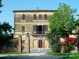 Agriturismo Le Stringaie - Abbadia di Montepulciano vacation rentals