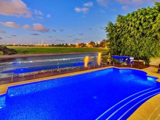 Spacious 6 bedroom House in Gold Coast - Gold Coast vacation rentals