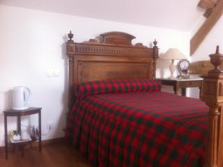 Romantic 1 bedroom Pacy-sur-Eure Bed and Breakfast with Internet Access - Pacy-sur-Eure vacation rentals