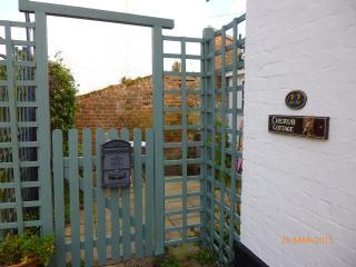 2 bedroom Cottage with Internet Access in Ipswich - Ipswich vacation rentals